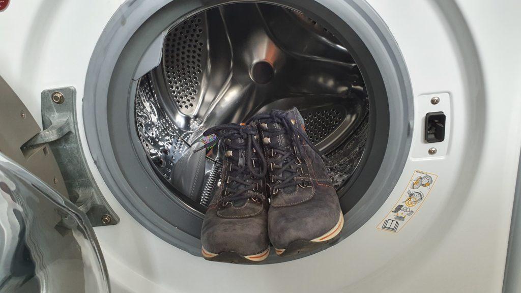 Buty skórzane w pralce